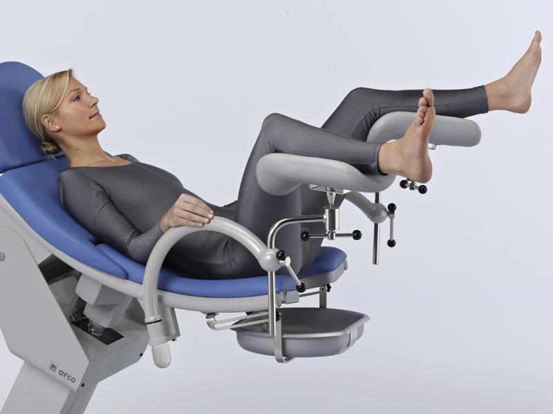 мной произошло видео женщина в гинекологии лежит в кресле что